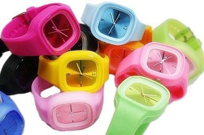 Silikonové analogové hodinky Square  6913b1eec9