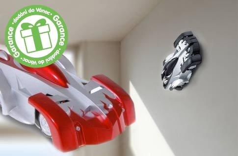 3ea602c899a Antigravitační RC autíčko – jezdí po stropě