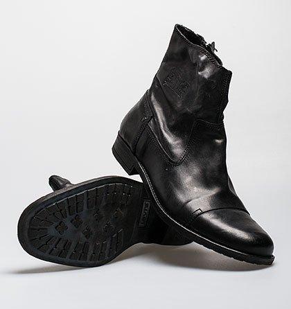 77 % sleva značkové boty Levis fa57fb5461