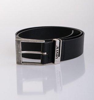 Černý kožený pásek Levi´s s klasickou sponou 6af0cf2d6a