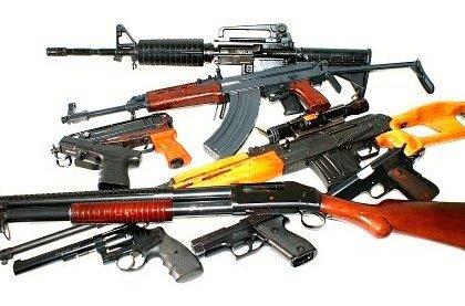Akční střelba z 12 vojenských zbraní