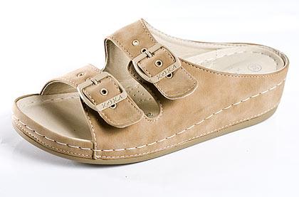 kliknutí na KOUPIT vybírejte béžové pantofle Bílé pantofle ...