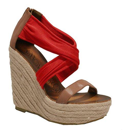 Sandály na platformě s důmyslnými pásky červené 360cfa7e75