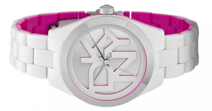 a43c65729f 45% sleva na dámské hodinky DKNY – doručení zdarma