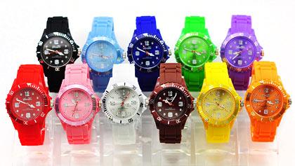 Šik hodinky dostupné v 8 barvách. Silikonové analogové ... 6028ff7d08