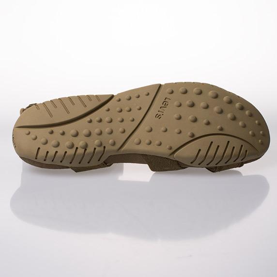 9ae3eeec30c 50% sleva na pánské letní nazouváky a sandály Levi s