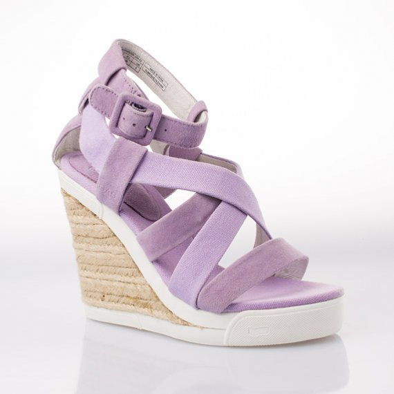 Dámská módní obuv z letní kolekce italské značky GAS 2013! Sandály na  klínku Mulan – fialové ba550abacf