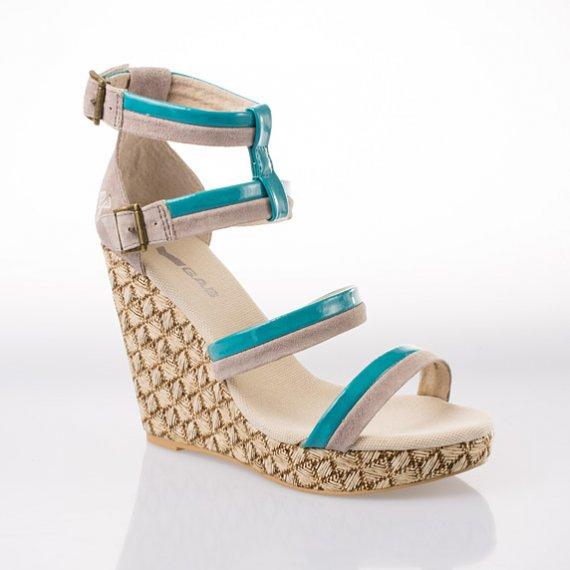 Dámská módní obuv z letní kolekce italské značky GAS 2013! Sandály na  klínku Iris – béžové 31778d042f