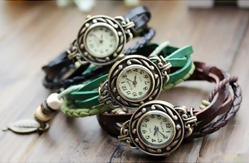 Dámské retro hodinky s přívěskem – doručení zdarma c642c7e5be