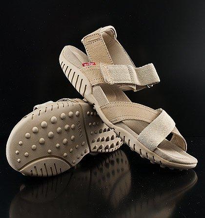 b40b4f8a4a8 Dámská a pánská obuv Levi s® (17)