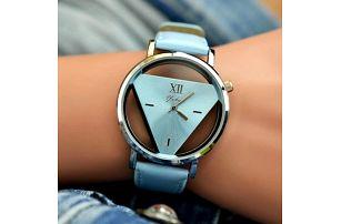 Originální trojúhelníkové hodinky - 4 barvy