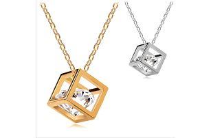 Luxusní náhrdelník krychlička s krystalem!