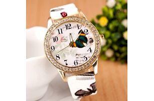 Moderní dámské hodinky s motýlem - dodání do 2 dnů