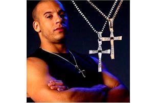 Přívěsek na krk kříž Rychle a zběsile!