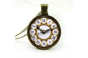 Přívěsek v designu závěsných hodinek - dodání do 2 dnů