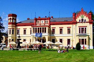 3denní wellness pobyt s nádechem romantiky pro 2 v hotelu Zámek Mostov na západě Čech