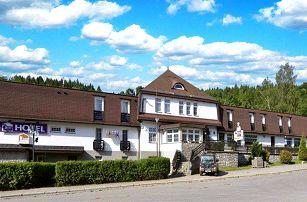 3–8denní pobyt s polopenzí a bazénem v hotelu Prom*** v Krkonoších pro 2 osoby