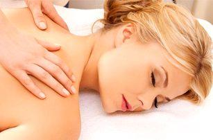 Masáž šíje a zad v délce trvání 30 nebo 60 minut v salonu Beauty v Praze