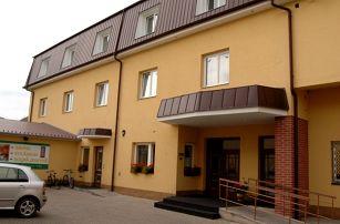 Východní Čechy, Nový Bydžov - až 4 dny pro dva: polopenze, masáž, sauna a bowling