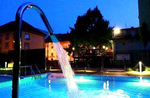 Wellness pobyt pro dvě osoby s polopenzí ve Wellness hotelu Central***. Vstup do bazénu a sauny.