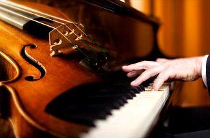 Koncert klasické hudby Bohemian Symphony Orchestra v Obecním domě v Praze