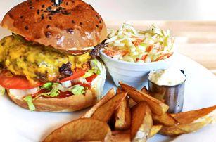 Parádní burger menu v karlínském OneCafé