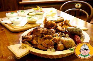 Švejkovo koryto se 6 druhy masa pro 2–12 osob ve Švejk Restaurantu Strašnice