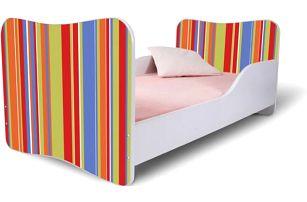 Dětská postel s oranžovými pruhy