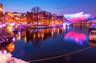 Předvánoční Amsterdam se světelnou show