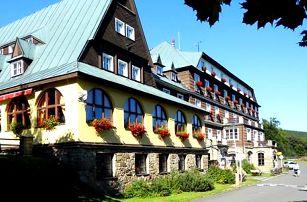 Podzimní pobyt v Hotelu Tanečnica*** s polopenzí a neomezeným vstupem do vnitřního bazénu