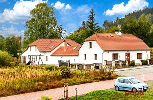 3–4denní pobyt v apartmánech Hecht u Lipna pro 2 osoby se snídaněmi a slevami