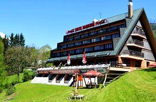 Hotel Barbora v centru Špindlerova Mlýna pro dva s polopenzí a privátním wellness