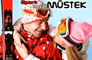 3denní pobyt pro dva s polopenzí ve Sporthotelu Můstek, sauna, whirpool s 50% slevou, šipky.
