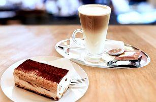 Kávová chvilka spojená s mlsáním tiramisu