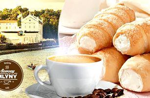 2x domácí kremrole a 2x káva, čaj nebo svařené víno. Kavárna Sovovy Mlýny, Praha 1 - Kampa