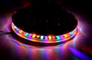 Dekorační otočné LED světlo