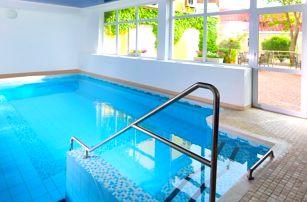 Lázeňský pobyt s polopenzí, procedurami a bazénem