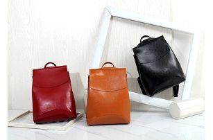 Elegantní dámský batoh Luisa
