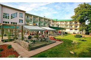 3–6denní wellness pobyt s polopenzí pro 2 v hotelu Riviera*** u Karlových Varů