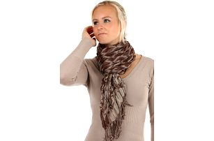 Šátek s kostkovaným vzorem hnědá