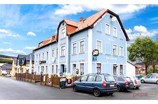 3–6denní zimní pobyt pro dva se snídaněmi v hotelu Habsburg v Krušných horách