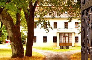 Lyžování v Jeseníkách s ubytováním na zámečku Grohmann s polopenzí a dítětem do 12 let zdarma včetně stravy