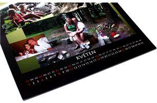 Fotokalendář: vlastní fotografie, 4 rozměry, spirálová vazba a poštovné v ceně