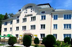 Relaxační wellness pobyt s polopenzí pro 2 osoby v Hotelu Subterra nedaleko Karlových Varů