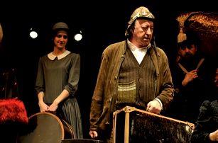 Divadelní představení Babička se vrací