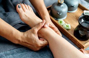 Reflexní masáž rukou nebo plosek nohou v délce 15, 30 nebo 45 minut od rodilých Thajek