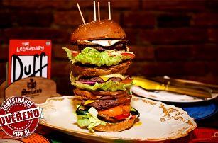 Obrovský burger z hovězího masa v různých velikostech v bistru Yes burger v Praze