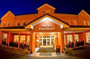 Neomezený wellness v Beskydech na Hotelu Hukvaldy s polopenzí pro 2 osoby, s platností až do 31. 8. 2017