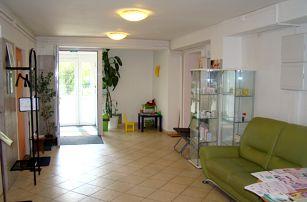 Kompletní dentální hygiena, bělení zubů nebo kompletní dentální balíček, Praha 4