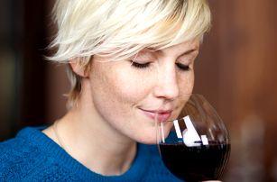 Degustace likérových vín v historickém sklípku